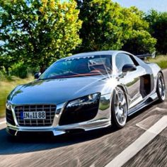 Dazzling Chrome Audi R8...it's so gorgeous