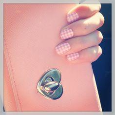 Découvrez les nailpatch Sephora vichy rose ! #nails #nailart