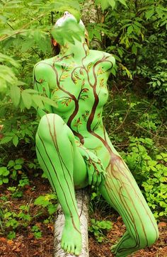 She really is camouflaged, great body painting 1 Tattoo, Body Art Tattoos, Sexy Tattoos, Camouflage, Human Art, Woman Painting, Painting Art, Skin Art, Art Of Living