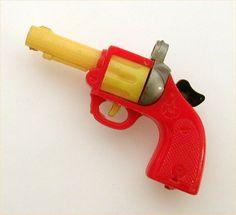 Vintage Hard Plastic Gun Revolver Pull Apart Puzzle