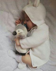 b b - Toddler baby fashion manualidades meninas Cute Baby Pictures, Cute Little Baby, Little Babies, Cute Babies, Baby Kids, Baby Baby, Mom Pictures, Baby Bikini, Everything Baby