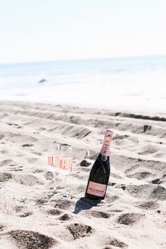 Rosé on the beach