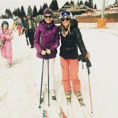 """Sezona skijanja je zvanično  završena .    Ali ja moram da vam se pohvalim . Nijednom nisam imala upalu mišića . Nijednom . I naravno da sam svako jutro pre skijanja , ipak , odradila i naš trening. Neprocenjiv osećaj . Moć , snaga , energija , zdravlje .   U susret """" nedelji 6 """" sigurnim koracima , a do tada :   https://dinasbook.joomla.com/vezbe/24-nedelja-5"""