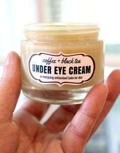 This coffee & black tea under eye cream is an energizing antioxidant balm that's perfect for tired eyes and skin. Made with anti-inflammatory coffee essential oil and antioxidant rich darjeeling tea, this coffee & black tea under eye cream recipe helps to Homemade Skin Care, Diy Skin Care, Homemade Blush, Homemade Lip Balm, Homemade Moisturizer, Homemade Soap Recipes, Natural Moisturizer, Homemade Facials, Homemade Products