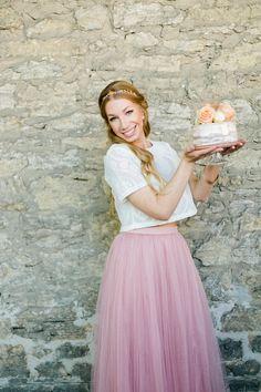 Tüllrock rosa für Braut mit Drip Cake - Boho Eleganz in Altrosa und Gold | Hochzeitsblog The Little Wedding Corner