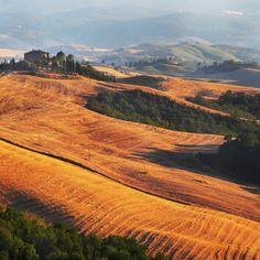 Chromatic view in Tuscany - Edmondo Senatore