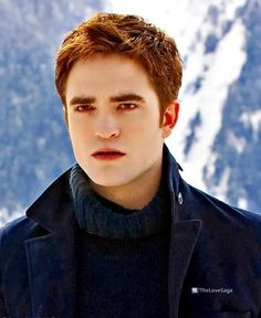 Edward Cullen (Love his hair in this pic. I like it better this way than when it's longer)