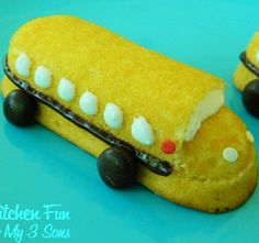 Thank goodness Twinkies are back! Now I can make this adorable Back to School Craft Snack!!