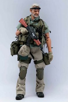 Here are just some teaser pictures of the Very Hot PMC (Private Military Contractor - a thin line exists between PMC and mercenaries) versio. Star Wars Boba Fett, Star Wars Clone Wars, Star Trek, Navy Military, Military Police, Airsoft, Private Military Company, Army Games, Videogames
