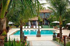 Praia do Estaleiro Guest House.