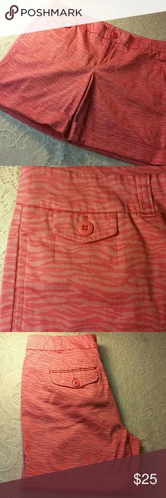 """NWOT! Bay Studio Petite Cotton Shorts These were never worn. I DID wash these. Just because they've been tried on a couple of times. These are super soft! They're in excellent condition. They have a pink zebra type pattern. There are 2 back pockets, 2 front pockets and 1 miniature button pocket on the front right next to the waist. Great for amusement  parks, hiking, or just, wanting to look cute! No stain, rip, or tear. Waist to bottom hem 15"""" Inseam 6"""" Rise 9"""" Thigh Opening 10"""" waist circ…"""