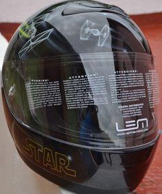 SE VENDE Casco aerografiado de Star Wars talla L Lem Vision original sin estrenar. Sacado  del embalaje sólo para pintarlo.