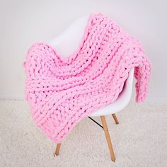 Chunky chenille blankets - great gift for Christmas! Use coupon to get off this Black Friday! Chunky chenille blankets - great gift for Christmas! Use coupon to get off this Black Friday! Chenille Blanket, Knitted Blankets, Knitting Machine Patterns, Crochet Patterns, Crochet Ideas, Knitting Projects, Crochet Projects, Crochet Crafts, Diy Projects