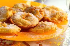 Naast oliebollen mogen appelbeignets absoluut niet ontbreken tijdens Oud&Nieuw, tenminste bij ons. Maak de appelbeignets bijvoorbeeld 's middags al, want ook koud zijn ze heerlijk! Vaak hebben we zoveel appelbeignets gemaakt dat we de dagen na Oud&Nieuw er nog lekker van zitten te smullen. Benodigdheden: 8 grote stevige appels snufje zout 2 eieren 50-60 gram...Lees Meer »