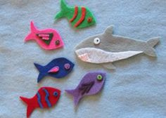 Five Little Fish (and a Shark) Flannelboard | RovingFiddlehead KidLit