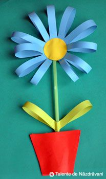 Floare din benzi de hartie Projects For Kids, Art Projects, Diy And Crafts, Crafts For Kids, Daycare Crafts, Spring Crafts, Paper Plates, Paper Flowers, Fathers Day