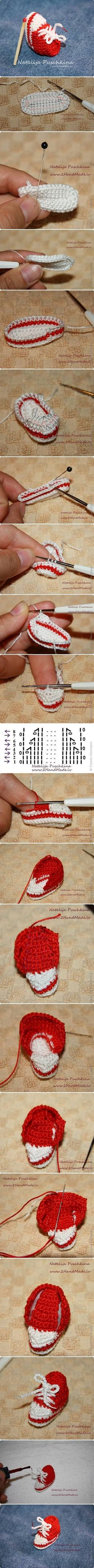 DIY Mini Crochet Sneaker. Click www.faveed.com for more craft ideas!