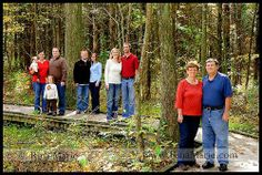Large Family Pictures Poses Ideas | Family portraits