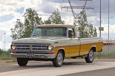 1971 Ford F-100 Ranger XLT Long Bed Pick-Up 6.0L FE V8 238bhp Engine (Photo by…