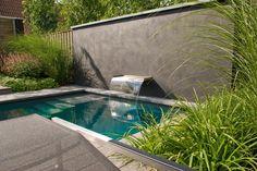 Bourgondische tuin met zwembad Meer interieur-inspiratie? Kijk op Walhalla.com
