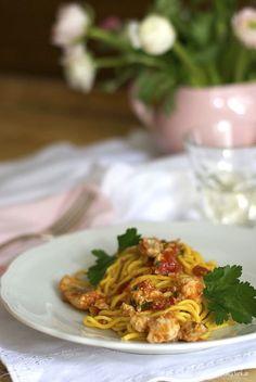 Pane, burro e alici: Spaghetti alla chitarra con ragù di gallinelle di .../ spaghetti with gurnard fish sauce