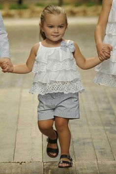 Frocks For Girls, Little Girl Dresses, Cheap Kids Clothes, Kids Clothing, Baby Girl Pants, Kids Fashion, Fashion Outfits, Girl Dress Patterns, Cute Little Girls
