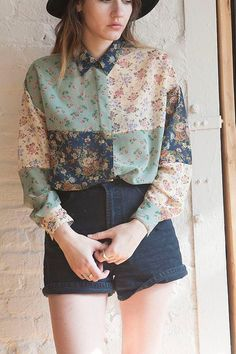 Vintage 90s 80s Grunge Goth Floral Green Button Up