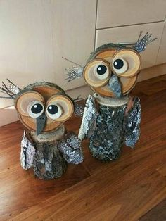 Owl Yard Art from Tree Stumps! Creative ways to add color and joy to a garden, porch, or yard with DIY Yard Art and Garden Ideas! Repurposed ideas for. DIY Yard Art and Garden Ideas Wood Log Crafts, Winter Wood Crafts, Winter Diy, Log Wood Projects, Winter Craft, Pallet Projects, Owl Crafts, Diy And Crafts, Kids Crafts