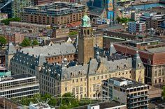 Rotterdam - zicht op het Stadhuis vanaf de 40e verdieping. (Cityhall Rotterdam, the Netherlands)