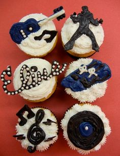 Elvis Has Left the Building Cupcakes. via Michelle Clausen of Sugar Swings Elvis Birthday Party, Daddy Birthday, 85th Birthday, Birthday Cakes, Birthday Ideas, Elvis Cupcakes, Yummy Cupcakes, Sweet Cupcakes, Elvis Presley