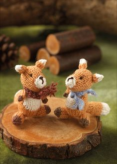 Knit these cute little foxes that would be great to give as a gift and ideal for using up oddments of yarn. The pattern is suitable for knitters of all abilities. Knitting Stitches, Knitting Patterns, Little Fox, Knitted Animals, Teddy Bear, Seasons, Foxes, Create, Crochet