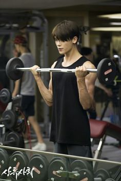Hyungsik... yr hand muscle.. is it real.. hemmm