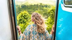 Sri Lanka owns one of the world's most beautiful train rides. Find out yourself and get on this impressive Sri Lanka train ride from Kandy to Ella. Lanka train Epic Train Ride from Kandy to Ella in Sri Lanka - Train Tickets and Adam's Peak Sri Lanka, Pray For Sri Lanka, Sri Lanka Honeymoon, Sri Lanka Surf, Sri Lanka Photography, Sri Lanka Itinerary, Little England, Sri Lanka Holidays, Arugam Bay