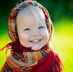 What a cutie Precious Children, Beautiful Children, Beautiful Babies, Kids Around The World, People Of The World, Little People, Little Ones, Cute Kids, Cute Babies