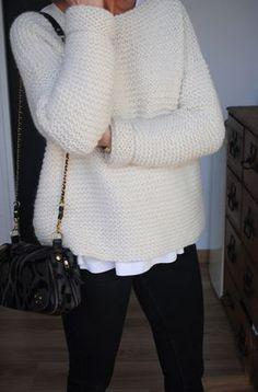 Pull point mousse DIY, l'écru ! Poncho Au Crochet, Knit Crochet, Poncho Outfit, Knitting Patterns, Point Mousse, Angora, Free Knitting, Knitting Projects, Tricot Crochet