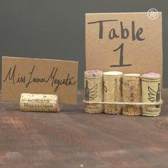 DIY place cards using wine corks & cardbord