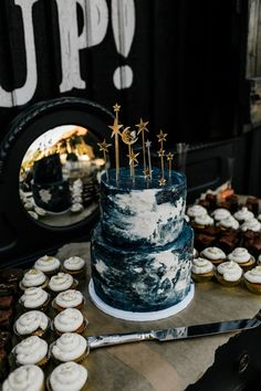 Galaxy Wedding, Starry Night Wedding, Moon Wedding, Celestial Wedding, Magical Wedding, Blue Wedding, Pretty Birthday Cakes, Pretty Cakes, Cute Cakes