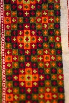 2013_04_07_Evjutunet utstilling bunad (17) | Tom Holmberg | Flickr Knitting Tutorials, Head Pieces, Aprons, Cross Stitch, Embroidery, Pillows, Patterns, Shirts, Card Patterns
