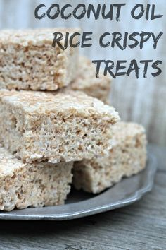 Coconut Oil Rice Crispy Treats - this would be super yummy with a drop of YL cinnamon bark essential oil! These Coconut Oil Rice Krispie Treats are divine - the delicate coconut flavor entices everyone who takes one bite! Healthy Treats, Yummy Treats, Sweet Treats, Healthy Oils, Yummy Snacks, Healthy Eating, Köstliche Desserts, Delicious Desserts, Dessert Recipes