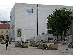Google Image Result for http://upload.wikimedia.org/wikipedia/commons/thumb/c/c4/Leopold_Museum_(Vienna).jpg/300px-Leopold_Museum_(Vienna).jpg
