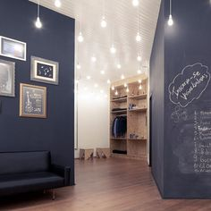 Schreibt auf eure Wände und wischt es wieder weg. Streicht eure Wand in Tafelfarbe! Coole Idee für die Wohnung.