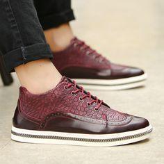 Homens britânicos de sapatos moda Casual Brogue High Top calçado Designer masculino outono Scarpe vinho azul preto vermelho