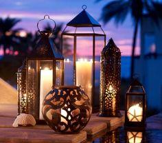 1-bougies-décoratives-au-couche-de-soleil-paysage-au-bord-de-la-mer