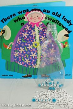 There Was an Old Lady Who Swallowed a Fly ~ fun learning activity. Fine motor, sequencing, early reading and spelling all rolled into one! Spelling Activities, Literacy Activities, Activities For Kids, Early Reading, Guided Reading, Swallowed A Fly, Speech And Language, Language Arts, Reading Intervention