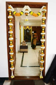 In India every religion has its own customs and - Fun Ideas and Suggestions Diwali Decorations At Home, Marriage Decoration, Wedding Stage Decorations, Flower Decorations, Garland Wedding, Diwali Diy, Diwali Craft, Diwali Pooja, Housewarming Decorations