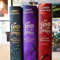 The Land Of Stories!! I NEED book 2 and 3! Christmas presents @larooglass ?? ;)
