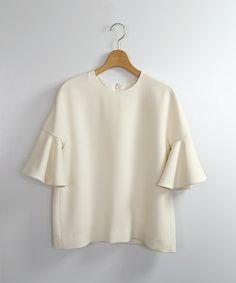 【ZOZOTOWN|送料無料】ESTNATION(エストネーション)のシャツ/ブラウス「【予約商品】ESTNATION ラッフル袖ブラウス」(61-109-10-030140)を購入できます。