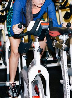 The Exercise Even Lazy Girls Can Get Behind+#refinery29 #paid