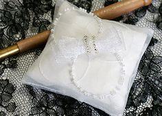 オートクチュール刺繍制作例 リュネヴィル刺繍の香り袋