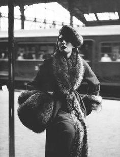 Desde Richard Avedon hasta Mario Testino conoce a los fotógrafos de moda que han llevado a la fama a modelos y que han dejado un legado con sus imágenes...